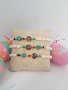 Lady Guadalupe Bracelet , Pearls Bracelets #takkaibykarina, #etsyshop #etsyjewelry #pearlsbracelets #pearls #mothersdaygift  ##giftideas #gift #bijouxfantaisie #wholesalejewelry #designerjeweley #bijoux2018 #catholicbracelets #catholifgift #religiousbracelets #boutiquejewelry #bijouxcreateur