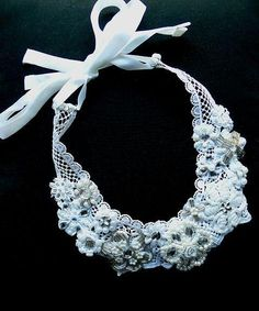Beaded pearl necklace. Bridal necklace