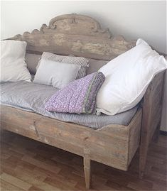 Go to this website transported Shabby chic home decor style Shabby Chic, Room, Bed Design, Chic Decor, Headboard Benches, Home Decor, Chic Spaces, Chic Upholstery, Shabby Chic Room