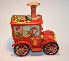 Vintage Tin Litho Toy - Wind up Circus Clown Car KO Japan