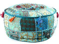 Bohemian poef in turquoise patchwork stoffen uit India in mooie ronde vorm met vulling.