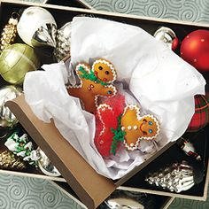 Make your own holiday gingerbread craft