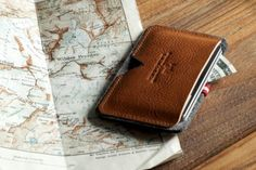 hard graft Card Case / Heritage: European accessory maker, hard graft, offers up the latest piece from its accessory line with the Hard Graft, Tools And Toys, Art Of Manliness, Money Clip Wallet, Best Mens Fashion, Men's Fashion, Credit Card Wallet, Leather Working, Swagg