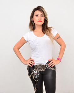 Andrea Garcia Directora Colombiana de cine para adultos. #AndreaGarcia #LatinoAmericaBeuty #Mujerescolombianas #mujeres #colombia #colombiana #cine #TV #SantaLatina