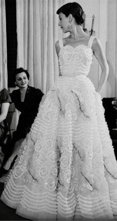 Audrey Hepburn-Dress: Sorelle Fontana-Rome-Italy