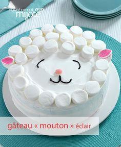 Quoi de plus mignon que ce Gâteau mouton ? Avec un minimum d'habileté pour décorer, vous pouvez réussir cet adorable dessert. Un mélange à gâteau, de la COOL-WHIP, des guimauves JET-PUFFED et voilà votre dessert de Pâques ! Tapez ou cliquez sur la photo pour obtenir la #recette.