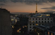 A Eiffel Tower Cinemagraph from the Le Bristol hotel on a weekend in Paris by photographers Jamie Beck & Kevin Burg Night Aesthetic, Aesthetic Gif, Aesthetic Videos, World Gif, Le Bristol, Good Night World, Ann Street Studio, Modern Hepburn, Les Gifs