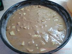 Η μηλόπιτα που έκλεψε την παράσταση, στον καφέ με τις φίλες μου τις μέρες της Πρωτοχρονιάς!!! Φανταστική μηλόπιτα! Η γλυκιά β... Greek Sweets, Apple Pear, Cake Bars, My Coffee, Cheeseburger Chowder, Sweet Recipes, Food Processor Recipes, Biscuits, Kitchens