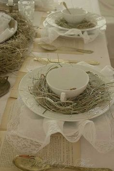 30 Creative Simple DIY Tablescapes Suggestions For Easter | Decor Advisor
