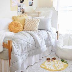 Girls Bedroom, Room Ideas Bedroom, Bedroom Decor, Dorm Design, Dorm Room Designs, Bed Sets, Warm Bedroom Colors, Cute Dorm Rooms, Dorm Room Themes