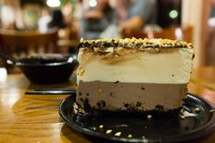 --This is actually More Than a Mouthful-- Hawaii Life, Ice Cream Desserts, Homemade Ice Cream, Mud Pie, Maui, Popcorn, Yummy Treats, Great Recipes, Cheesecake