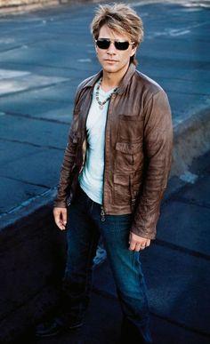 Jon Bon Jovi - rocker sexy!