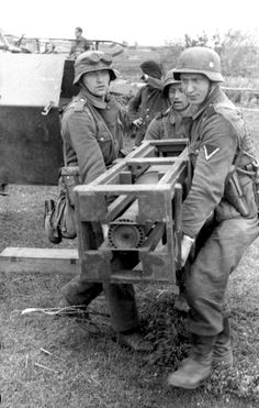 SdKfz 251 Wurfrahmen 40, Stuka Zu Fuss 17