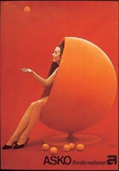 Orange Ball Chair by Asko, design Eero Aarnio. Futuristic Interior, Futuristic Furniture, Futuristic Architecture, 1960s Furniture, Art Deco Furniture, Furniture Design, Steel Furniture, Helsinki, 70s Decor