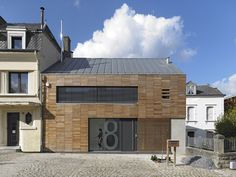 In The Middle Of The Village / STEINMETZDEMEYER Architectes Urbanistes