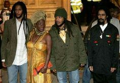 * Bob Marley's * ••• Wife and sons •••