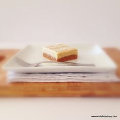 Quick, easy and delicious vanilla slice. Free from gluten, grains, dairy, egg and refined sugar. I hope you do too. subbing oats for coconut Nutella Brownies, Nutella Cookie, Sugar Free Recipes, Raw Food Recipes, Clean Eating Recipes, Sweet Recipes, Simply Recipes, Vegetarian Recipes, Paleo Dessert