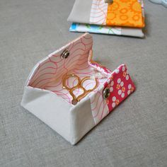 Snappy Coin Purse Sewing Pattern (FREE)