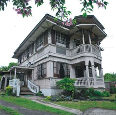 National Registry of Historic Sites and Structures in the Philippines: German Lacson Gaston Heritage House* Filipino Architecture, Philippine Architecture, Tropical Architecture, Spanish Colonial Homes, Spanish House, Filipino House, House Of Gold, Philippine Houses, Dream House Plans