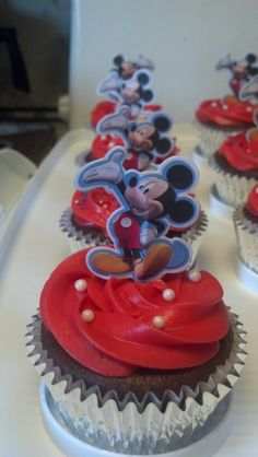 Simple mickey mouse cupcakes
