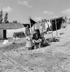 Nazaré, 1953-57, ph. Artur Pastor Algarve, Homeland, Landscape Photography, Monochrome, Dolores Park, Fine Art, Black And White, Laundry, Pictures