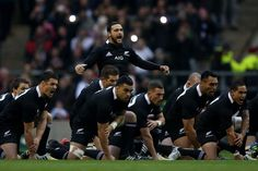 Piri Weepu Photos - Piri Weepu of New Zealand All Blacks leads the Haka during the QBE International match between England and New Zealand at Twickenham Stadium on December 2012 in London, England. - England v New Zealand - QBE International David Beckham Soccer, Thom Evans, Dan Carter, Sonny Bill Williams, Rugby Championship, Twickenham Stadium, Rugby Games, All Blacks Rugby, Rugby World Cup