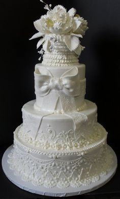 Summer weddings and cakes need to be carefully thought of when it pertains to where the cake must be put in the reception location. Stay out of the direct sunshine, heat and wedding cakes not a match made in paradise. Keep covered in case of flies. Round Wedding Cakes, Wedding Cake Photos, Amazing Wedding Cakes, White Wedding Cakes, Wedding Cake Designs, Wedding Desserts, Wedding Ideas, White Cakes, Engagement Cakes