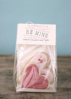 Jenny Steffens Hobick: UPDATED : Be Mine | Free Printable Tags for Valentine's Day