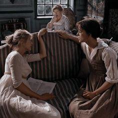 Pride And Prejudice Characters, Pride And Prejudice Book, Jane Austen Book Club, Jane Austen Novels, Light Film, Book Cafe, Book Memes, Period Dramas, Vintage Movies