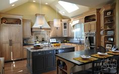 Kitchen Remodeling in ChicagoThe Kitchen Studio of Glen Ellyn | home ...