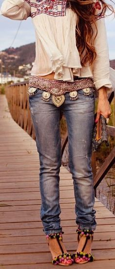 Love this belt  !! outfit so cute