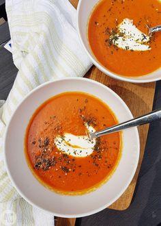 Snelle paprikasoep van puntpaprika's – Anja's Foodblog Easy Healthy Recipes, Vegetarian Recipes, Healthy Food, I Want Food, Vegetable Dishes, Food Inspiration, Kids Meals, Soup Recipes, Recipies