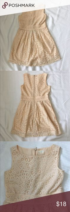 J. Crew Crewcuts Lace Peach Dress Beautiful peach lace dress from Crewcuts for J. Crew. Sleeveless with a zipper closure in back. Fully lined and a sweet dress for all types of events and parties. Has side pockets which the kids loved! Well worn but still in good condition with many wears left. J. Crew Dresses