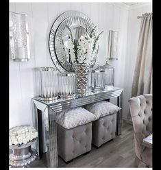 Home Dining Room Decor Table House Console table Living room White Furniture Console Table Living Room, Decor Home Living Room, Glam Living Room, Living Room White, Dining Room, Mirrored Furniture, Home Decor Furniture, Furniture Dolly, White Furniture