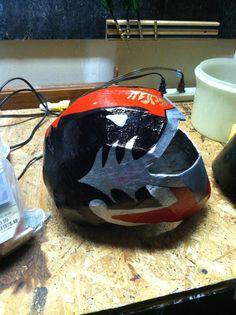 Power Rangers Helmet, Helmets, Bicycle Helmet, Awesome, Diy, Costumes, Hard Hats, Bricolage, Helmet
