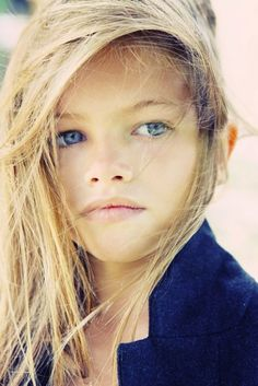 Thylane Blondeau yrs old models for french vogue Beautiful Little Girls, Beautiful Children, Beautiful Eyes, Beautiful Babies, Thylane Blondeau, 10 Year Old Model, Pretty People, Beautiful People, Coiffure Hair