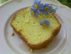kommati me nistisimo pantespani diakosmimeno me violetes Vegan Sweets, Vanilla Cake, Banana Bread, Vegan Recipes, Muffin, Food And Drink, Pudding, Tasty, Cooking