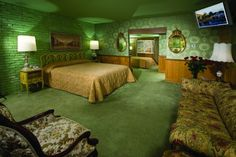 Plan a retro vacation to the amazing Madonna Inn - Retro Renovation Madonna Inn Rooms, Motel Room, Vintage Hotels, Retro Renovation, Hotel Motel, Retro Home, Awesome Bedrooms, Of Wallpaper, Family Room