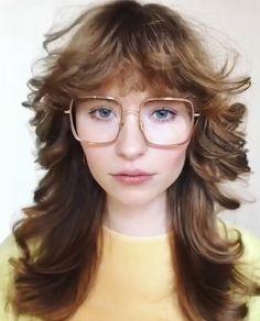 35 easy hairstyles for spring break 7 Vintage Hairstyles, Easy Hairstyles, 1920s Dress, Spring Break, Hair Trends, Hair Cuts, Hair Color, Stylists, Hair Styles