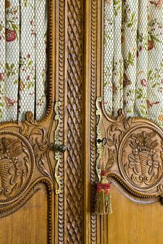 French Armoire with Fabric Insets French Interior, French Decor, French Country Decorating, French Country Cottage, French Country Style, Interior Barn Doors, Interior Exterior, Armoire Buffet, Muebles Shabby Chic