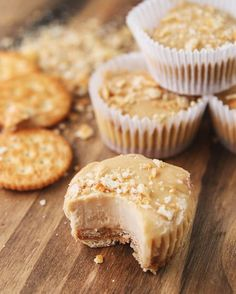 Mini-Erdnussbutter-Käsekuchen | Diese Mini-Erdnussbutter-Cheesecakes sind der Inbegriff von Food Porn