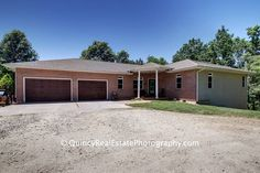 Quincy, IL Real Estate 360° Virtual Tour and Photography  1414 Ehrhardt - Brought to you by Stephen Gramke Happel Realtors.                      Amazing country oasis sitting on 10 acres in the Quincy school district! This 4 bed, 3.5 bath ranch has ...