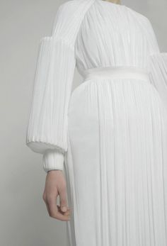 Fashion Architecture - sculptural, white roman column dress; structured fashion design with fabric manipulation // Matthew Harding