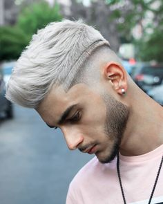 A pair of lines cut into white hair - Hair Styles Mens Haircuts Short Hair, Casual Hairstyles For Men, Mens Modern Hairstyles, Popular Hairstyles, Boy Hairstyles, Cool Haircuts, Short Hair Cuts, Short Hair Styles, Hairstyle Men