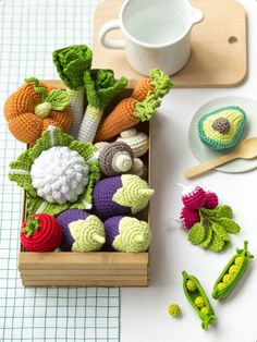 These garden vegetables were freshly crocheted by using DMC Just Natura Cotton Crochet Food, Felt Food, Textiles, Stuffed Toys Patterns, Handmade Toys, Cross Stitch, Vegetables, Sewing, Knitting