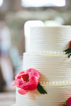 Wedding cake | Love the texture of the icing and the 'dots'