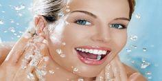 Κάνε το πρόσωπό σου να λάμπει, με την πιο απλή μάσκα ever! Το γιαούρτι θα ενυδατώσει και θα θρέψει την επιδερμίδα του προσώπου σου σε β... Home Remedies, Natural Remedies, Beauty Secrets, Beauty Hacks, Kai, Oregano Essential Oil, Skin Tag Removal, Best Natural Skin Care, Natural Beauty