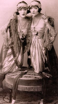 The world famous cabaret act THE DOLLY SISTERS 1921. Jenny & Rosie Dolly wearing Lucile gowns in The League of Notions Revue. From the fabulous book Retro Fashion : The Way We Were by Lucinda Gosling. 2015 (minkshmink)