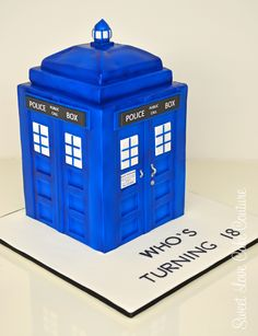 Who's turning 10? Dr Who's Tardis Cake.....Can anyone out there make me a cake like this for a BIG Dr Who fan that's turning 10~ I don't do cakes 'eh~