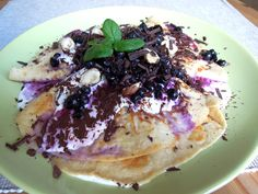 crêpes with blueberries and icecream